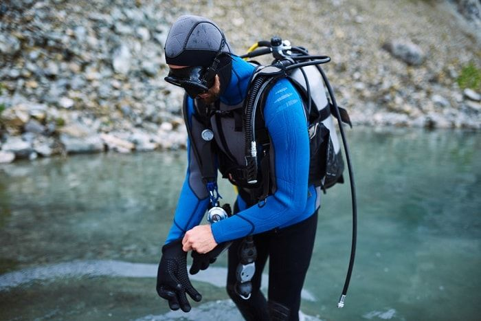 guantes buceo intro